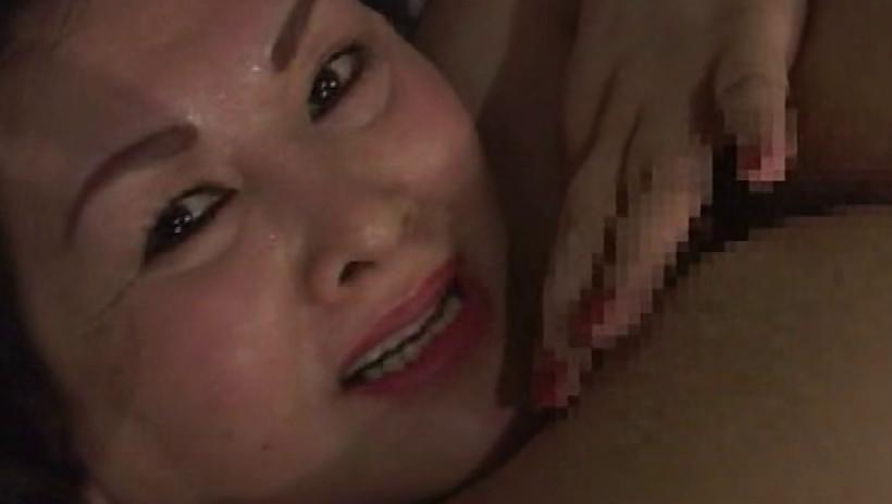 人妻レズビアン Ⅷ 私、ご近所の奥さんと浮気してます 熟女と熟女が激しくカラミ合う究極の同性愛 画像11