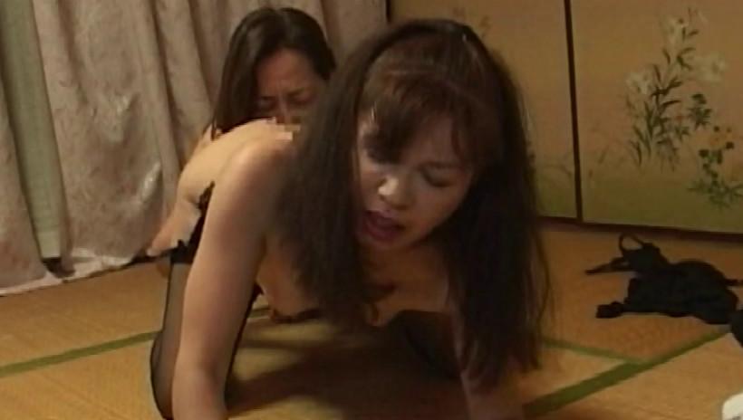人妻レズビアン Ⅷ 私、ご近所の奥さんと浮気してます 熟女と熟女が激しくカラミ合う究極の同性愛 画像16