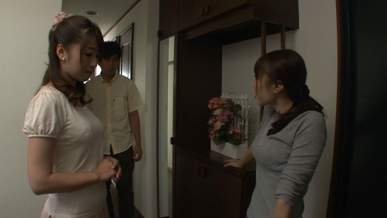 ネトラレーゼ 妻を近所の尻軽主婦にそそのかされた話し 初美沙希 画像9
