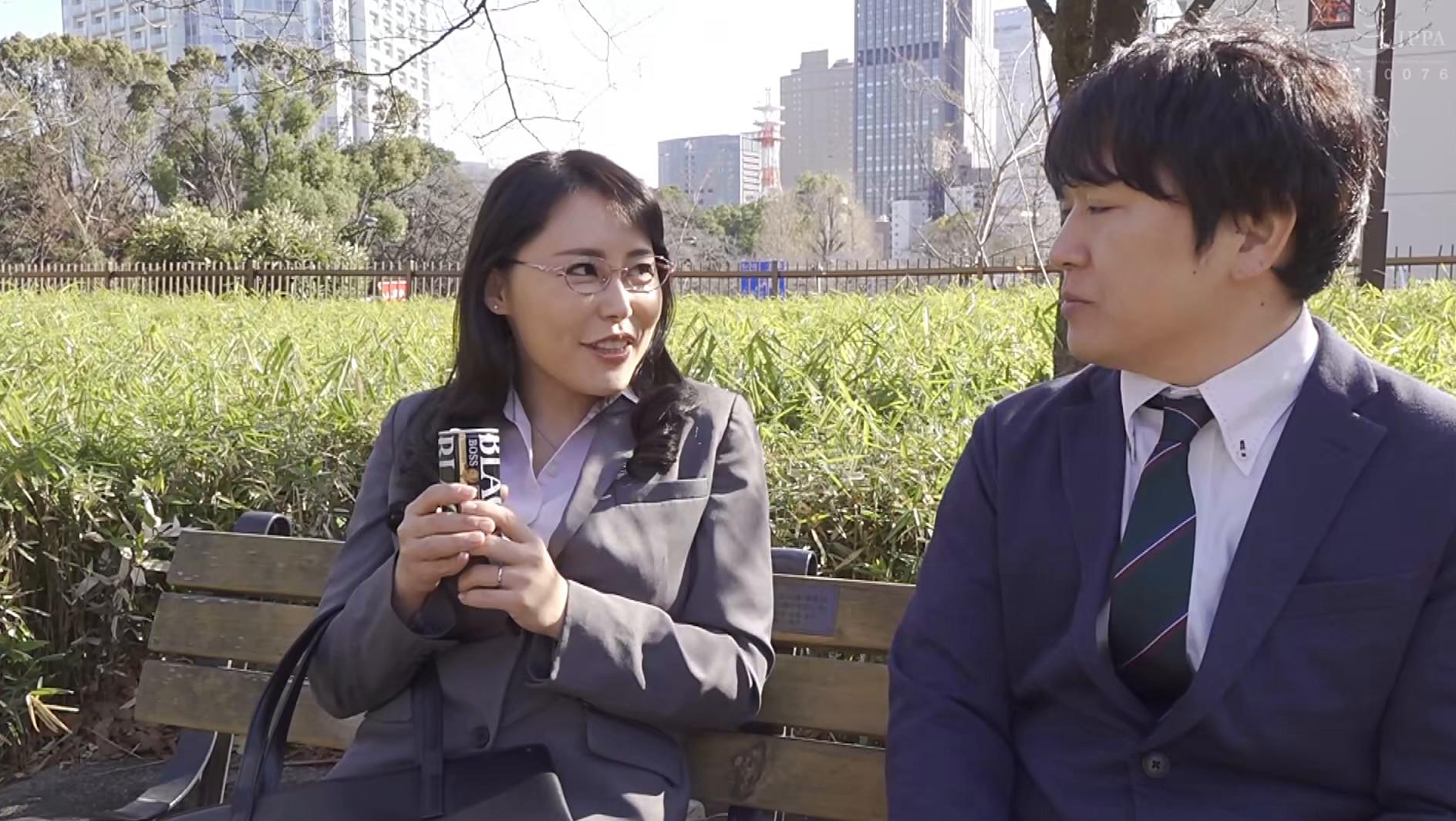 憧れの女上司と 純岡美乃理 画像2