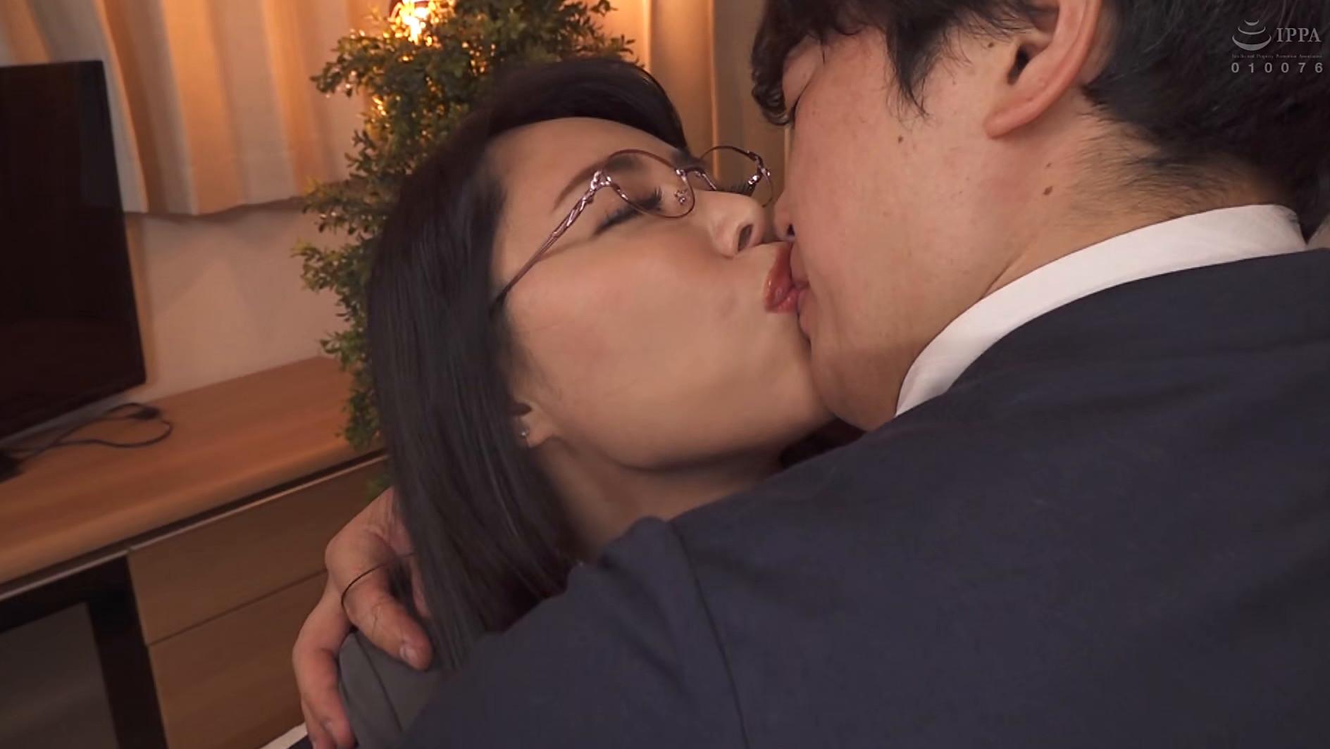憧れの女上司と 純岡美乃理 画像7