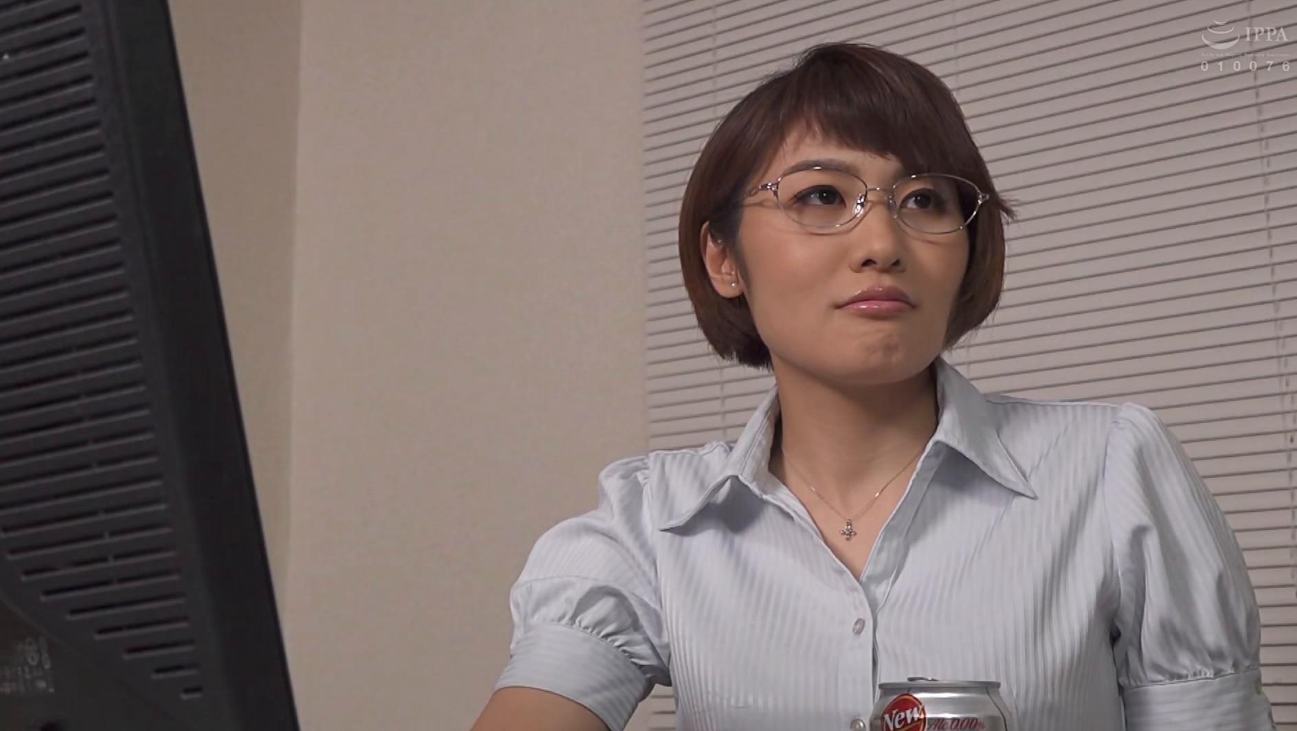 憧れの女上司と 三岳ゆうな 画像1