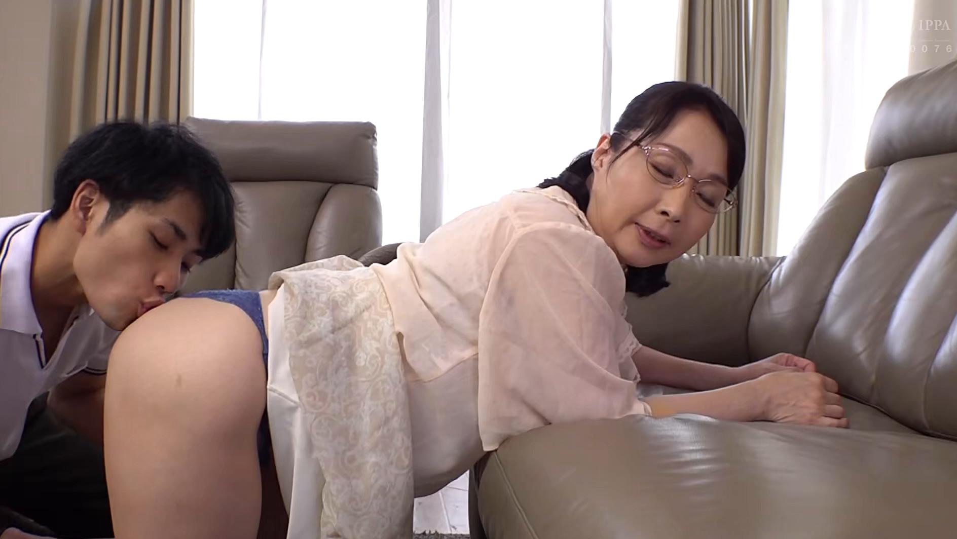義理の息子 性欲の強い義理の息子にメロメロにされた義母 和泉亮子 画像20