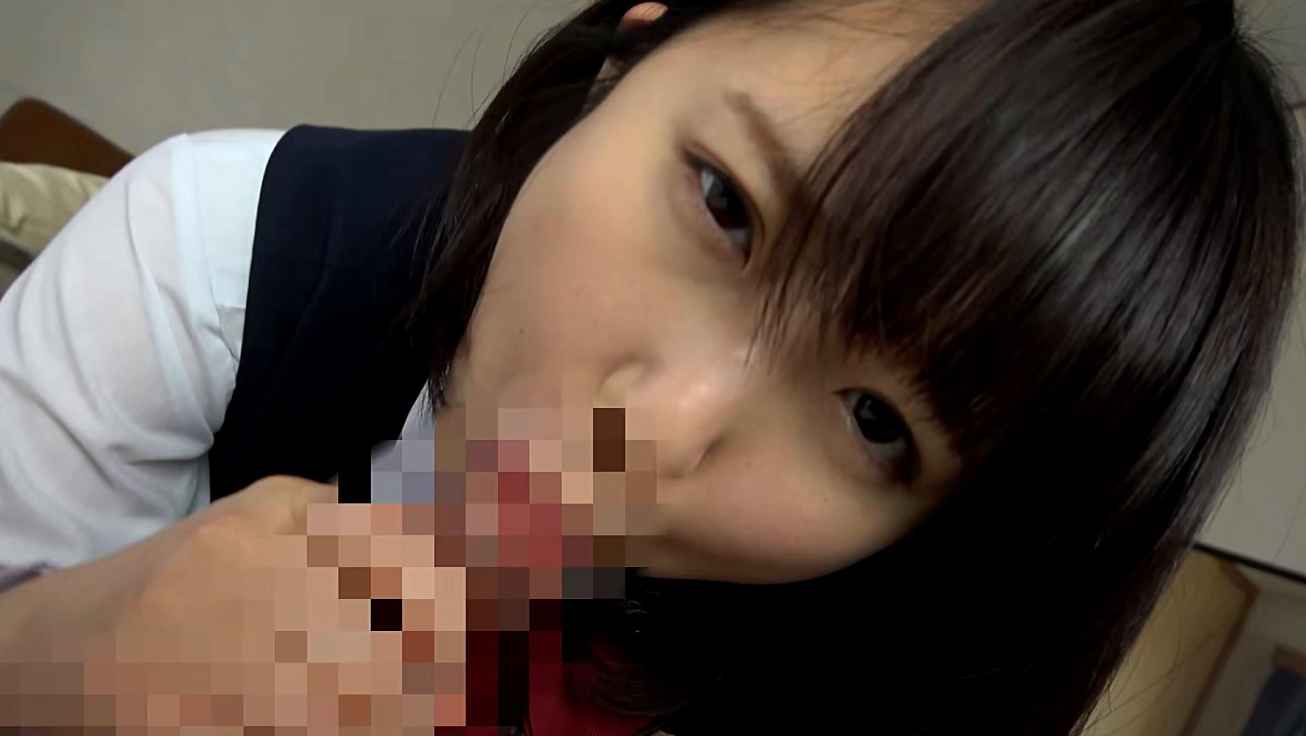 自撮りするJ●娘にチンコを刺激されたら我慢できず手コキされ口内射精され巨乳オッパイ揉みしだきSEXへ! 画像5