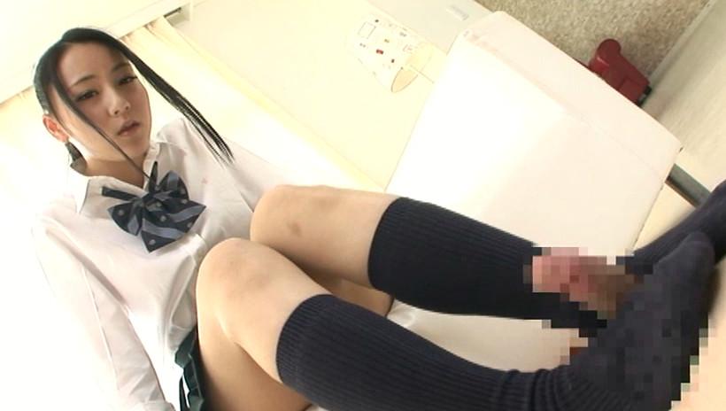 24人の女子校生足コキ 4時間 画像2