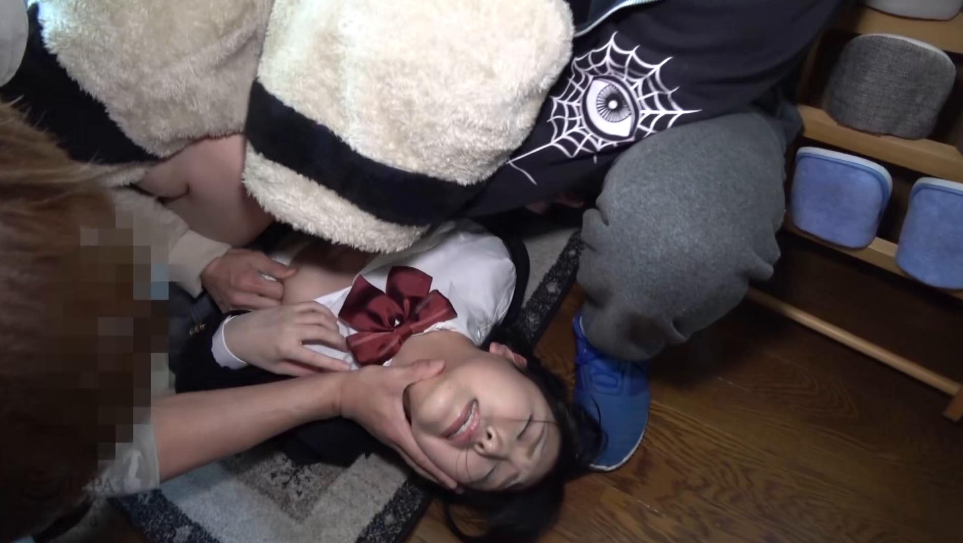女子●生尾行押し込み3穴アナル集団レイプ映像集 4時間 画像1