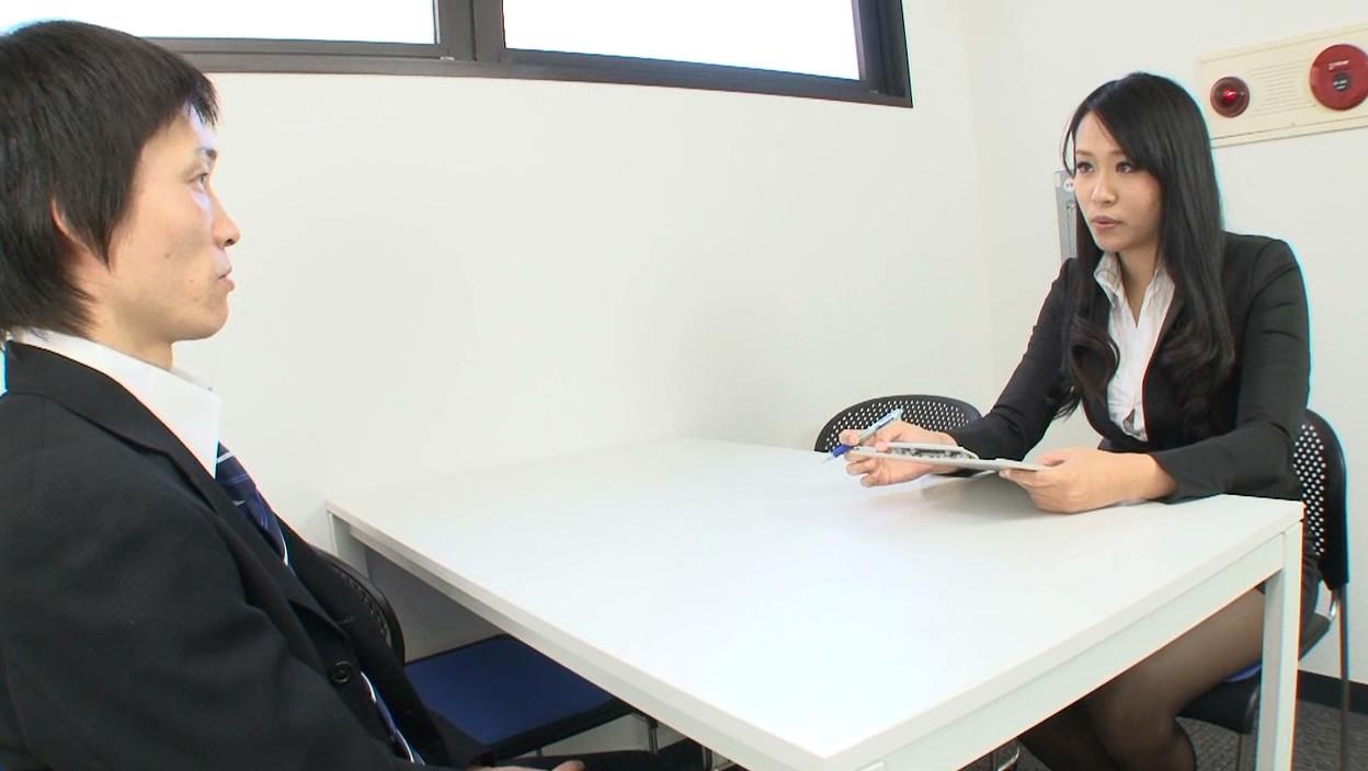 女性上位株式会社 チンポさらし面接 画像13
