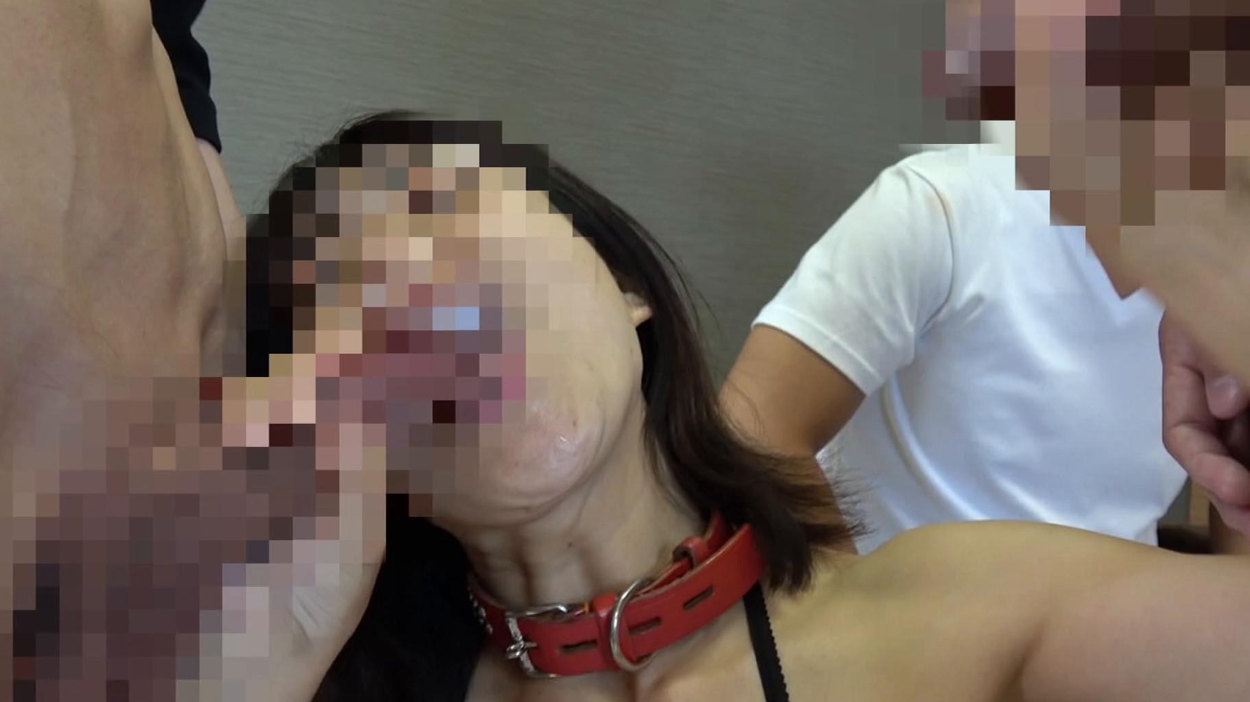 変態投稿 集団SEXに悶える熟女 画像3