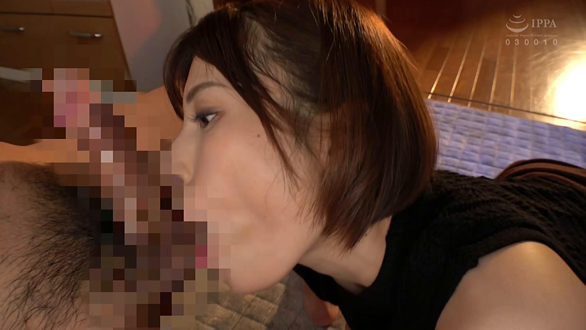 密着大好きお姉さんが耳元で淫語を囁きながらず~っと乳首を責めてきます・・・。 若宮はずき 画像5