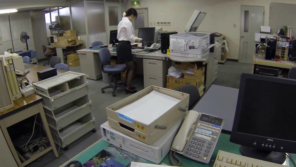 妄想パンツ オフィスで部下に指示を出したらパンチラしまくりの巻 画像16