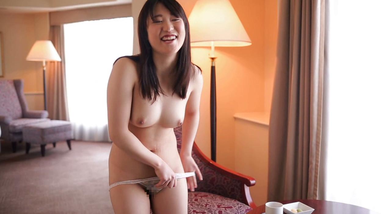 ぶちゅ初撮りベスト!!! 2 普通の女の子たちが生まれて初めてカメラの前でエッチするドキドキの4時間 画像9