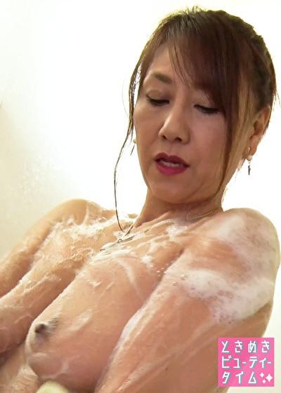 【シャワータイム】トレーニングでかいた汗をお流し