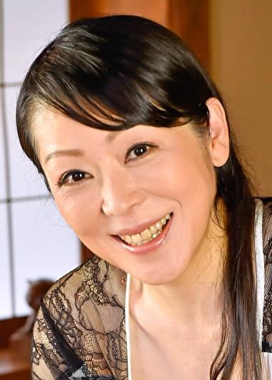 千佳子(50歳) 息子の彼女代わりに・・・