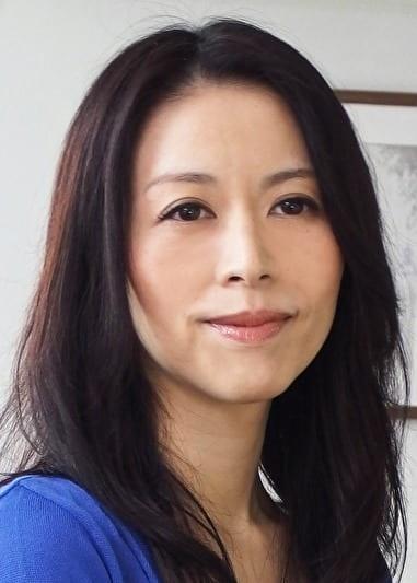 綾子(44歳) スレンダーな義母