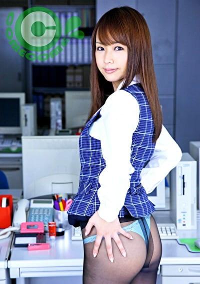遊んでそうなOLサンの制服姿に萌えながらオフィスでファックしまくりましたぁ~!!