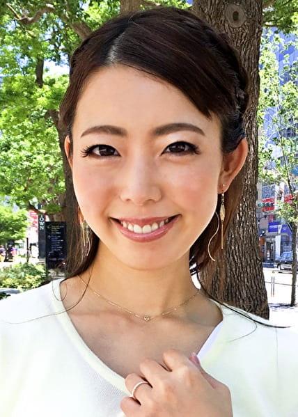 ゆみかさん 39歳 パイパン熟女妻