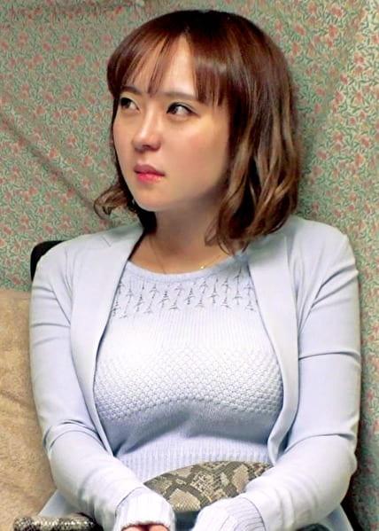 みかさん 37歳 Hカップな人妻 【セレブ奥さま】
