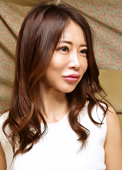 アリサさん 34歳 Gカップ奥さま 【セレブ奥さま】