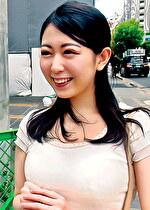 みさとさん 23歳 キレイなお姉さんはやっぱり美容部員でFカップ 【ガチな素人】