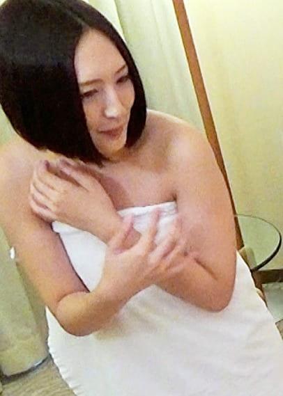 《個人撮影》芸能人 26歳 美女タレント ベンチャー社長とのSEX映像流出