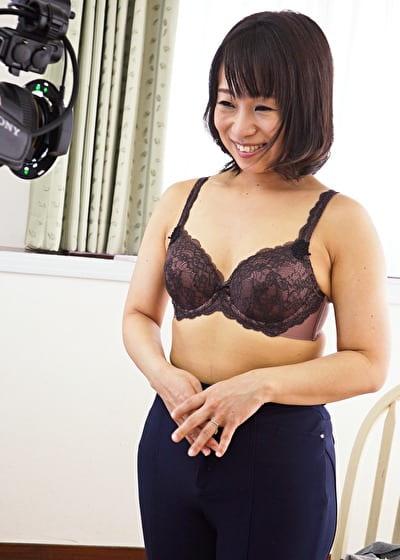 【四十路】かなこ 45歳(初脱ぎ・専業主婦・香川県在住)
