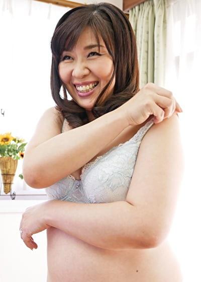 【五十路】とわこ 52歳(初脱ぎ・専業主婦・神奈川県出身)