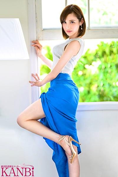 KANBi専属 美神【ヴィーナス】 AV史上最も美しい人妻 泌尿器科看護師 神咲まい 32歳 AVDebut !! 見る者を虜にする『美貌』と『エロス』白衣の美神誕生!