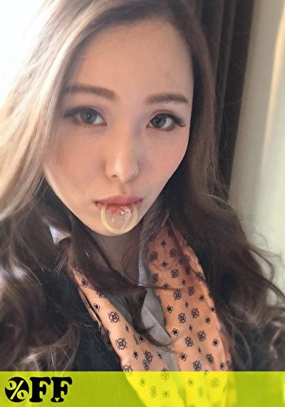 ことな(22)