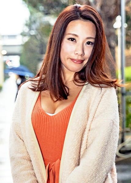 西新宿で見つけた二人組の美魔女さん みずほ43歳
