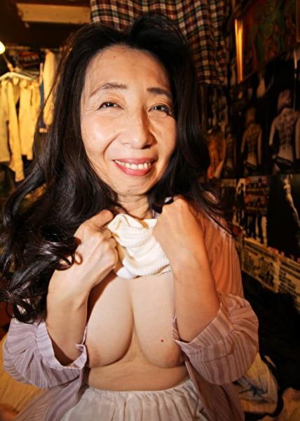 愛しのデリヘル嬢 素人売春生中出し 盗撮強制撮り下ろし 由賀子