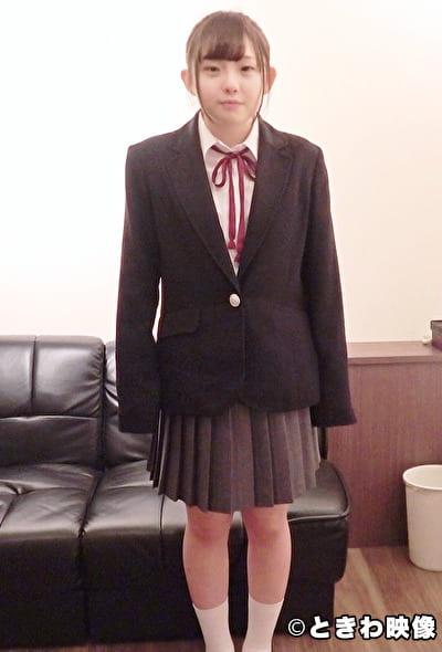 可愛らしいミニマム系発育途上の女の子と制服SEX