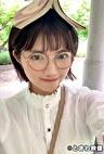 読書好きなショートヘアー女子はキュートなメガネを掛けたままブス男の生チンを積極的に咥え込みパイパンマンコに中出しを許す!