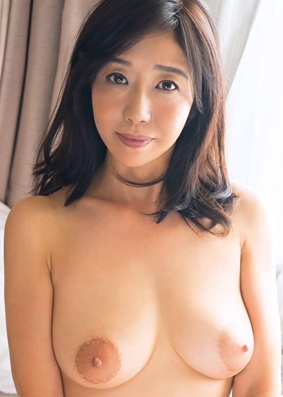 桃子 2 52歳